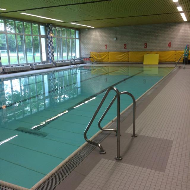 Was macht eine Schwimmabteilung ohne Wasser?